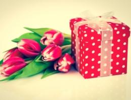 Идеальный подарок к 8 марта: какой он?