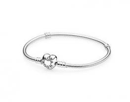 Серебряный браслет Pandora Сердце с фирменным знаком