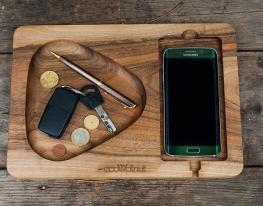 Подставка для смартфона с дерева Плей фото