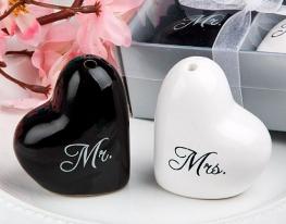 Солонки - сердечки Мистер и Миссис фото