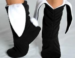 Тапочки Зайчики черные с белыми ушами фото