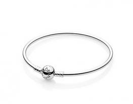 Жесткий серебряный браслет Pandora