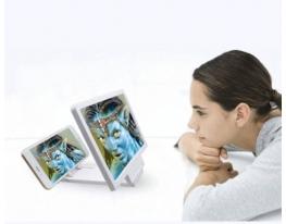 3D увеличитель экрана смартфона. фото