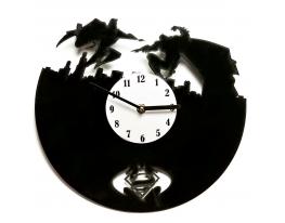 Часы настенные Супермэн против Бэтмэна фото