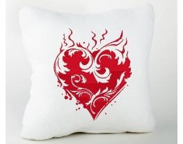 Подушка для влюбленных Пламенное сердце фото