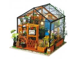 Кукольный домик «сделай сам». «Теплица» фото