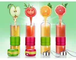 Стеклянная бутылка для самодельных лимонадов фото