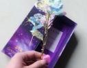 Роза в подарочной коробке светится фото 1