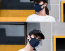 Трехслойная защитная маска многоразовая темно-синяя фото 2