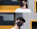 Трехслойная защитная маска многоразовая черная-коралл фото 2