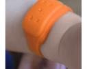 Силиконовый браслет от комаров MINI оранжевый фото 2