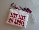 Косметичка с вышивкой Life like an angel Белая фото