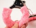 Меховые наручники любимым фото 7