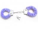 Меховые наручники любимым фото 2