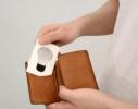 Карманный светильник складывается в форму визитки фото 1
