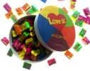 Жвачки Love is в деревянной коробочке фото