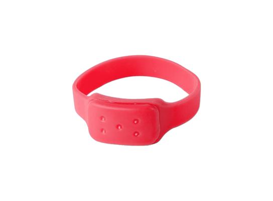Силиконовый браслет от комаров MINI красный фото