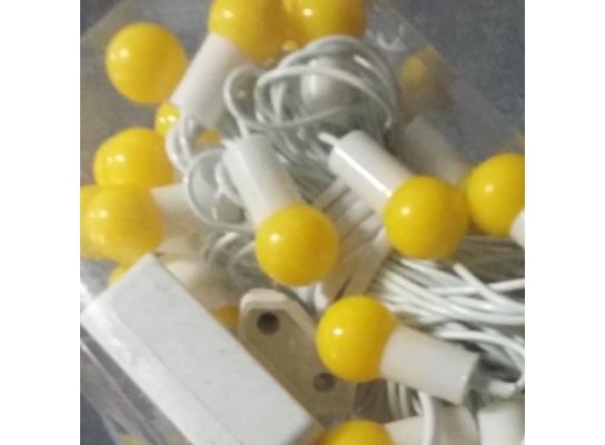 Гирлянда Шарики желтые 40 led на белом проводе фото