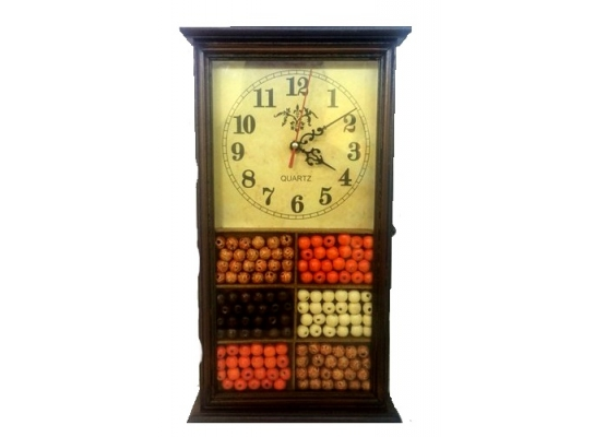 Настенная ключница с часами Бусины фото