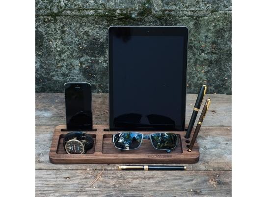Подставка из дерева для планшета и смартфона фото