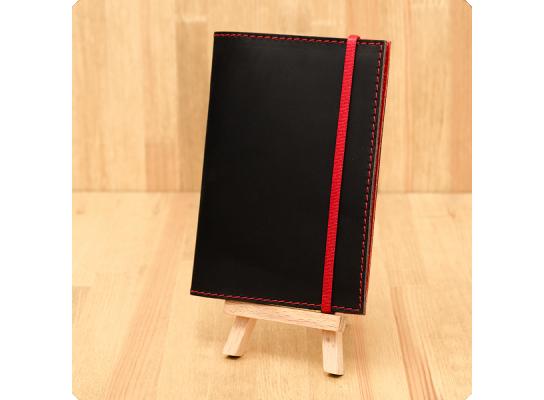 Кожаная обложка на паспорт Клубника фото