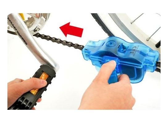 Устройство для чистки велосипедной цепи фото